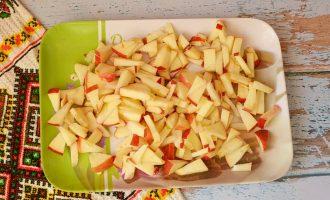Винегрет с твердо кислым яблоком на День Валентина