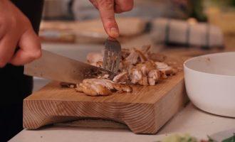 Шаурма домашняя «По-Ивлевски» из куриных бёдер с редисом