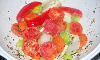 Овощной бульон по-итальянски, с орегано и семенами фенхеля